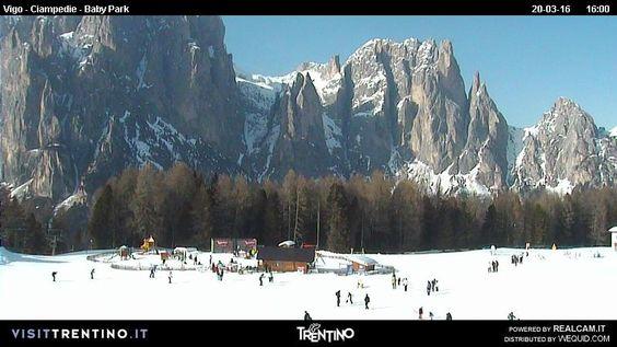 Foto Bollettino Neve Vigo di Fassa: http://www.bollettinoneve.net/bollettino-neve-vigo-di-fassa.html Bollettino neve Trentino #neve #montagna #snowboard #snow #mountain #sciare #inverno #ski #skislope #skier #skiing #winter #alpi #alps #appennini alps | italy | ski chalet | snowboarding | heritage site | Snow Style | Snow photography | Snow Falls | mountain photography | snowy mountains | mountain photography | Mountains and snow | snow mountain | mountaineering | trekking | Ski Resorts…
