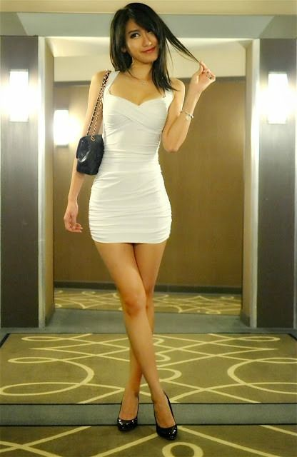 Posts, Nice and Little white dresses on Pinterest