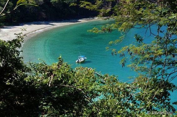 As praias da Costa Rica são super variadas, que variam entre águas calmas e super agitadas!