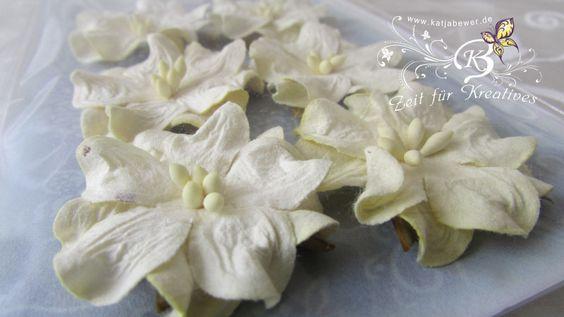 6+Blüten+aus+Maulbeerpapier+ca.3,5cm,+creme+von+Zeit+für+Kreatives+auf+DaWanda.com