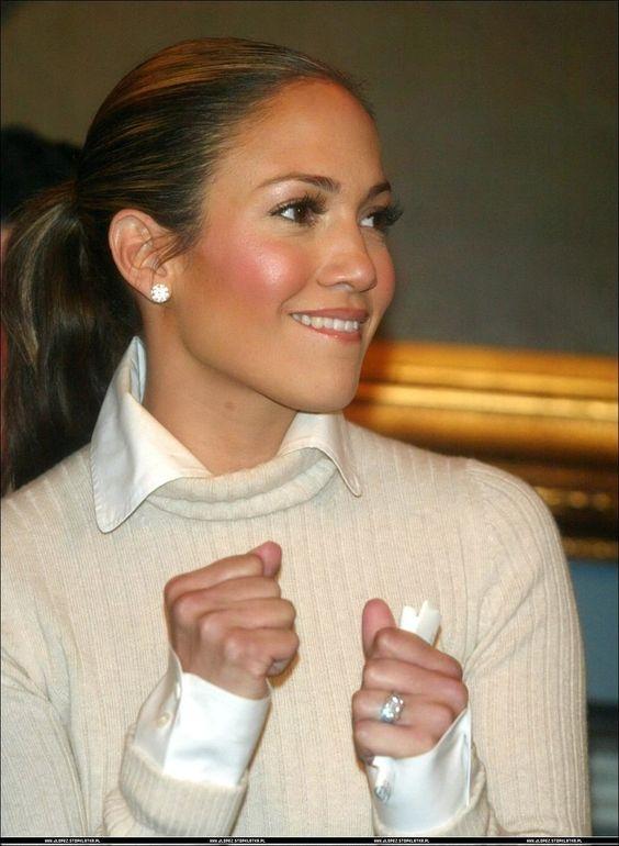 Collar over turtleneck- Jennifer Lopez