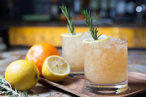 The best summer cocktail recipes bluegrass whiskey smash for Good whiskey drinks for summer