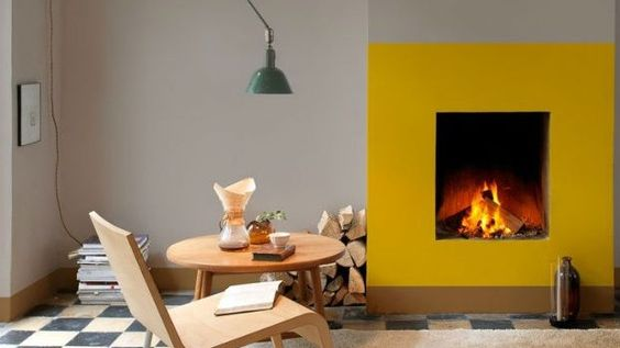 Dit is je to-do list voor de maand maart - Roomed   roomed.nl  Interior home inspiration: a bold fireplace