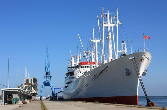 Museums-Frachtschiff CAP SAN DIEGO am Steubenhöft in Cuxhaven | Flickr : partage de photos !