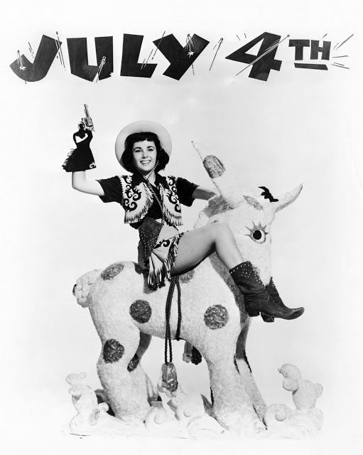 Elizabeth Taylor - a very vintage 4th of July