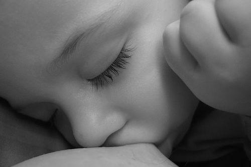 Lactancia materna: ¿ahorro para la sociedad? | Blog de BabyCenter