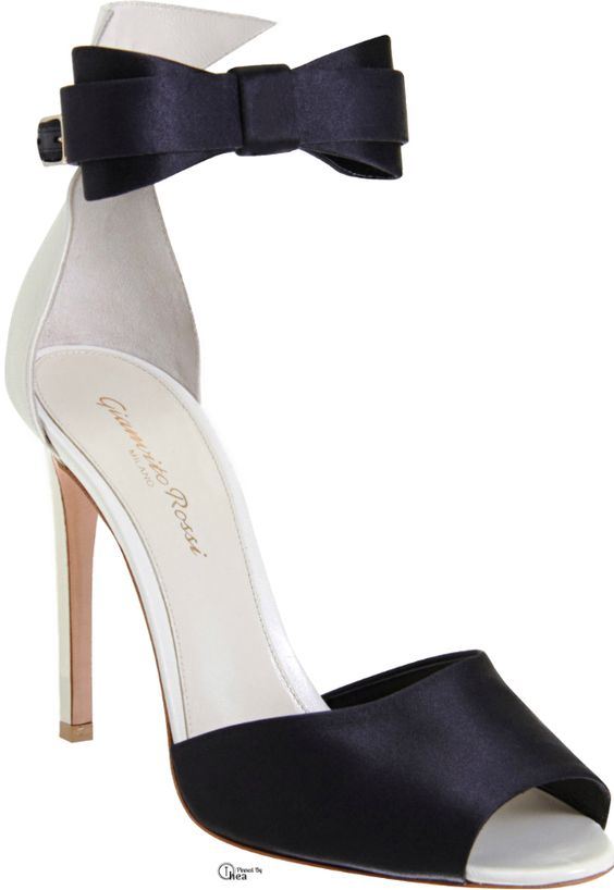 Gianvito Rossi ● Black Bow Tie Sandals
