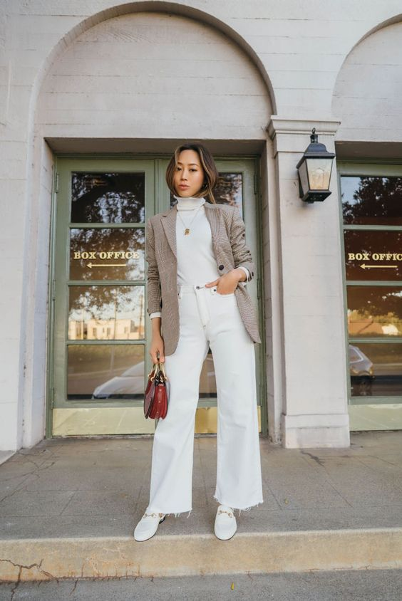 The Grove is one of my favorite places to go whether it's for shopping or to watch a movie. While shopping for holidays gifts, I went into Nordstrom at …