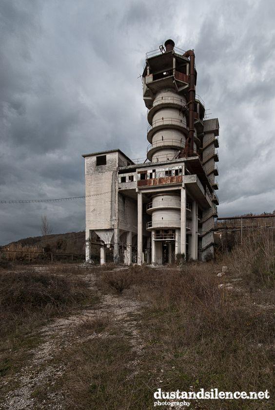 https://flic.kr/p/CRUM1v | The concrete maker | Dust and Silence | Facebook | Tumblr | Pinterest