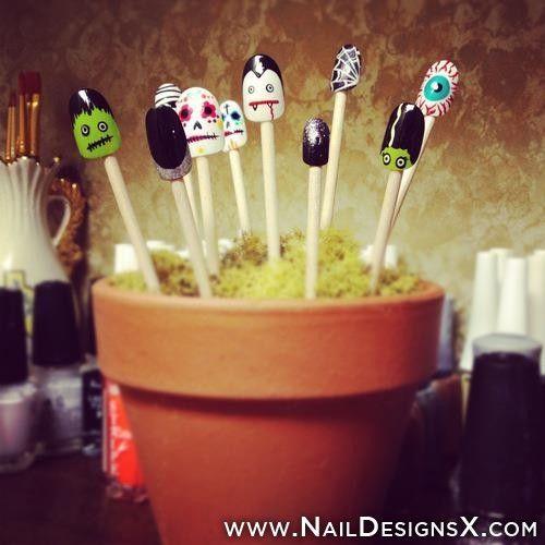 Halloween nail