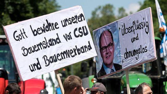 Buhrufe vor Münchner Staatskanzlei: Bauern gegen geplante Lösung in Milchkrise