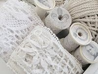 look at that divine lace and oh..those spools!