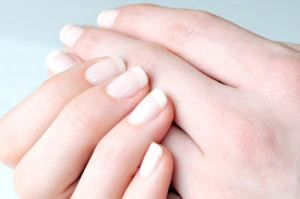 When most of us look at our hands, we might notice that we need to trim, clean, or stop biting our fingernails, and that's about it. But if you ask a dermatologist, they can see a whole lot more. Everything from poor diet and stress to serious kidney problems can be revealed by a glance […]
