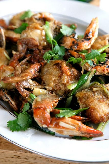 Chinese Style Blue Crabs with Scallion and Ginger Sauce