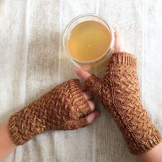 Qwist Mitts pattern for fingerless gloves | knitting pattern