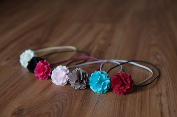 Newborn headbands. These are adorable and would be incredibly easy to make.