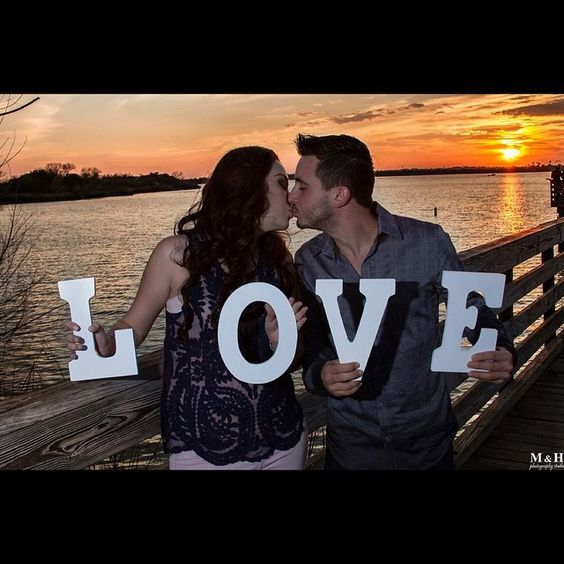 Session casual Alicia & Jorge #wedding #boda #weddingfashion #weddingstyle #weddingceremony #love #weddingprep #weddingdress #weddingphotography #weddinginspiration #bouquet #weddingplanner #ring #brides #novias #ramodenovia #canon #romantic #passion  #sunset #atardecer #amor