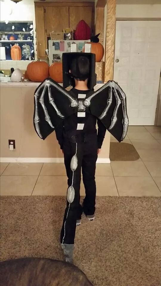 The back of the costume. Ender Dragon from Mine craft ...
