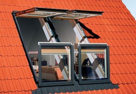 Un balcon sous les toits avec ces fenêtres pour combles - Combles aménageables : les 10 idées qui vous changeront la vie - CôtéMaison.fr