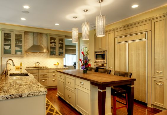 Transitional sycamore kitchen kitchen for Sycamore interior designs