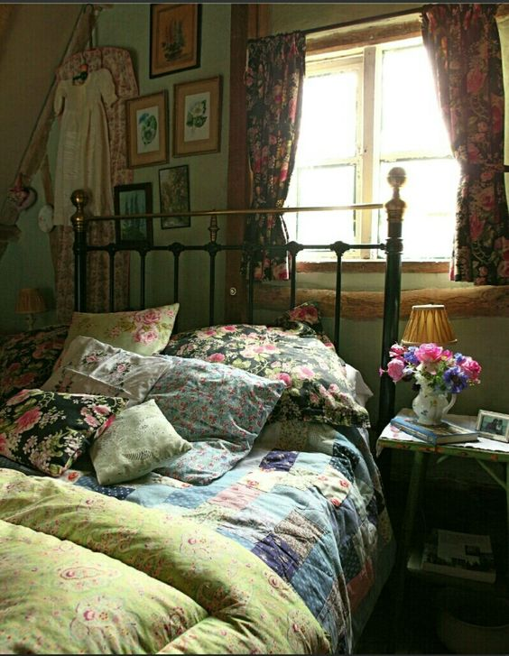 I imagine this as a little bedroom upstairs a sweet little hideaway for a nap country - English bedroom ideas ...