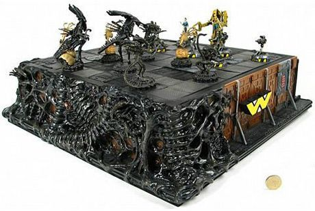 The Alien chess set....I WANT THIS!!!!