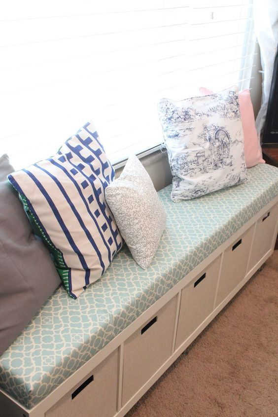 Mommy Vignettes: Ikea No-Sew Window Bench Tutorial