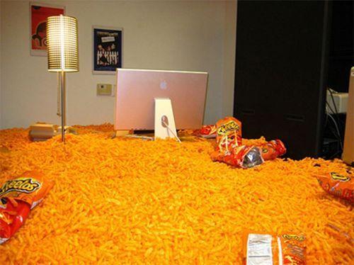 Art of Trolling: cheetos flood