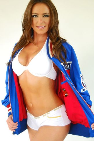 Carrie Milbank is a Sports reporter, model and a former Houston Texans cheerleader.