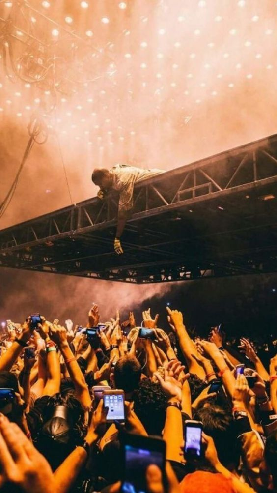 In Honor Of The Drop Thought I D Drop My Current Wallpaper Kanye