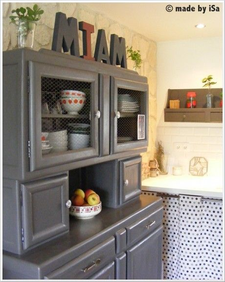 joli buffet de cuisine mado gris annees 50 upcycled. Black Bedroom Furniture Sets. Home Design Ideas