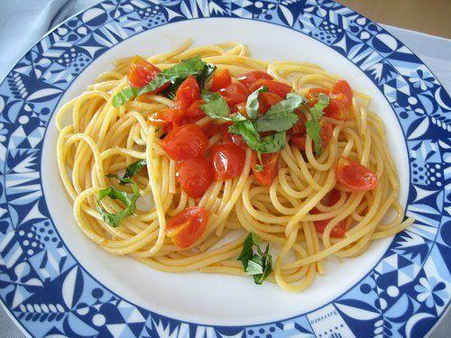 pasta pomodori :) Wanna try this one :) m starving!