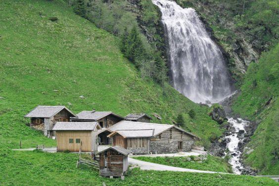 Scharrerhof Almhütte direkt am Wasserfall http://www.landreise.de/expose/scharrerhof-almhuette-2203/