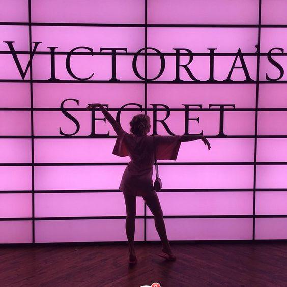 Pin for Later: Werft einen Blick hinter die Kulissen der Victoria's Secret Fashion Show  Rachel Hilbert