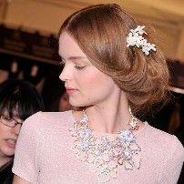 ¡Quiero este pelo! - 1 diadema, 5 peinados de novia que llevarás
