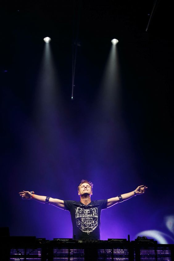 Armin van Buuren - A state of trance ! Mysterland