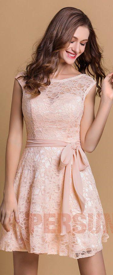 Robe de cocktail rose pastel courte dentelle