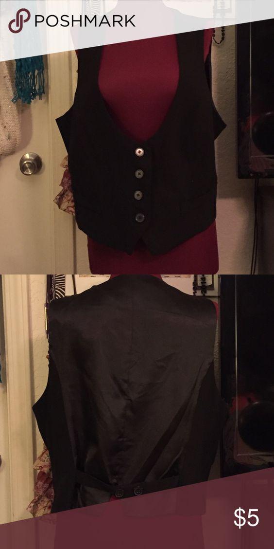 Black vest Black vest w silk-like back Larry Levine Jackets & Coats Vests