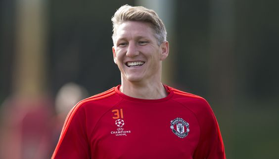 """Bastian Schweinsteiger not giving up on Manchester United #FCBayern  Bastian Schweinsteiger not giving up on Manchester United  German midfielder Bastian Schweinsteiger said on Wednesday that Manchester United would be his """"last club in Europe"""" and vowed to fight for his place in the team.  Schweinsteiger 32 has been frozen out by new United manager Jose Mourinho and is yet to make a competitive appearance this season.  But with the close of the transfer window just a week away he told fans…"""