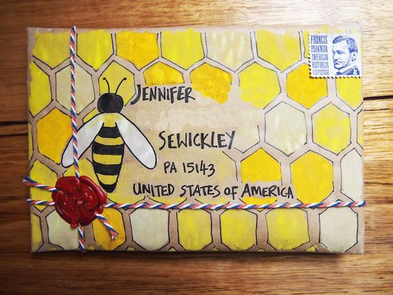 Little mail-art parcels - bee and hive