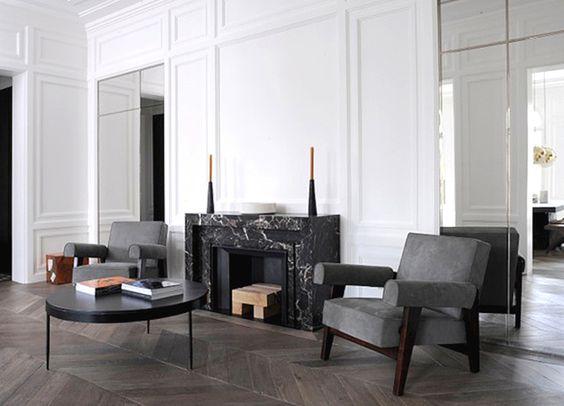 est-living-neuilly-apartment-joseph-dirand-fireplace01 Living + - schwarz weiß wohnzimmer