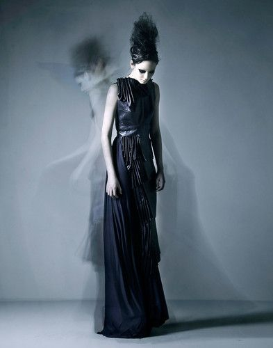 dramatic photoraphy presents fashion in an innovative way