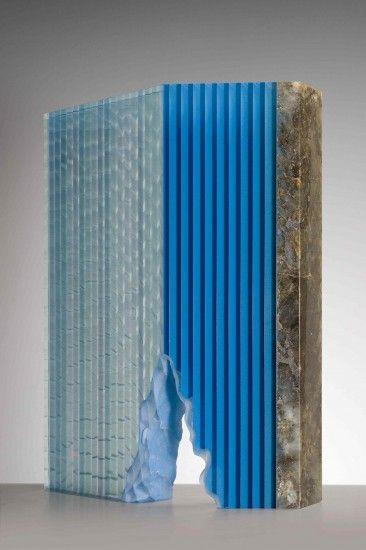 (Wesley Rasko) Navagio, 2014, verlijmd en geslepen glas met emailleverf, labradoite, 39x30x13cm