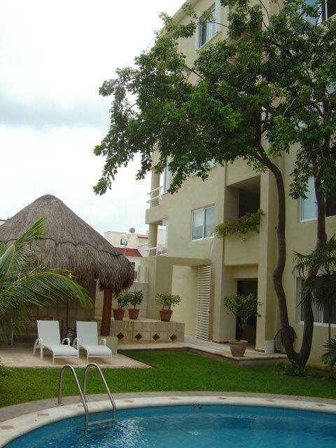Cancun depto en renta, 2 rec, 2.5  baños, terraza, aires, jardin, alberca 14,500   Olivia Quijano +52 (998)1338223 y Maria Teresa Melo +52 (998) 937 32 39