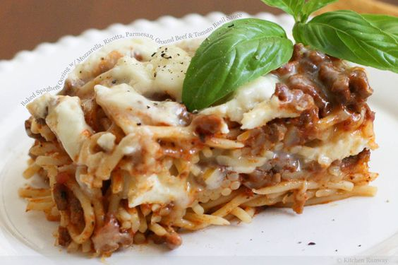 Baked spaghetti: Baked Pasta, Cheddar Cheese, Sauce Yummm, Bake Yummy, Food Network/Trisha, Pasta, Comfort Foods, Italian Foods