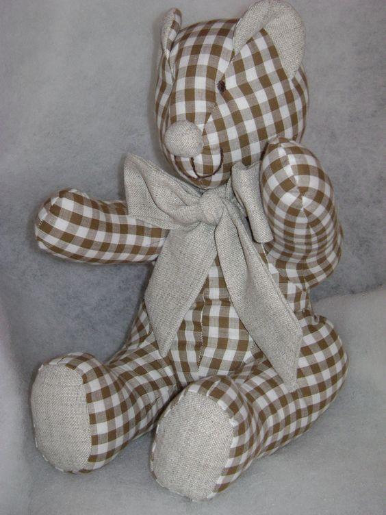 urso em  xadrez,tecido de algodão co enchimento siliconado.