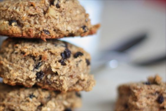healthy cookie recipe with almond butter and dried fruit