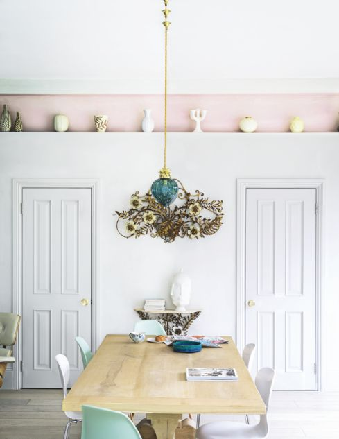Dining room | Neutral | White | Pink | Pastel | Wood | Display shelf | Decorative | Design classic | Modern | Livingetc