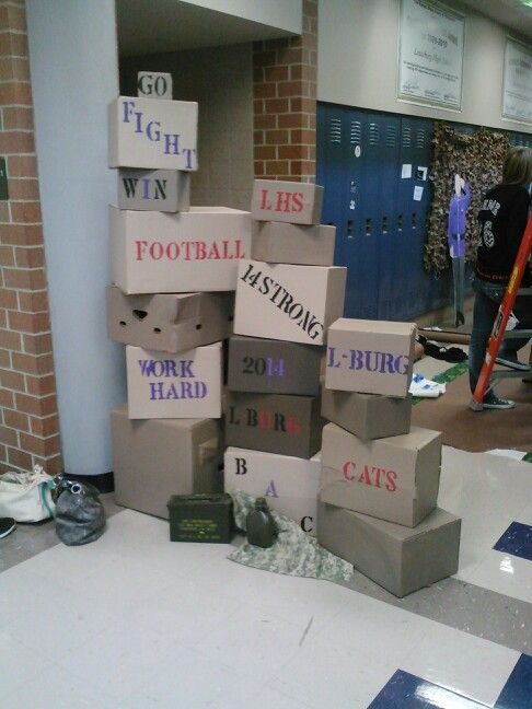 Fall Homecoming - Senior hallway decorations (3/4)