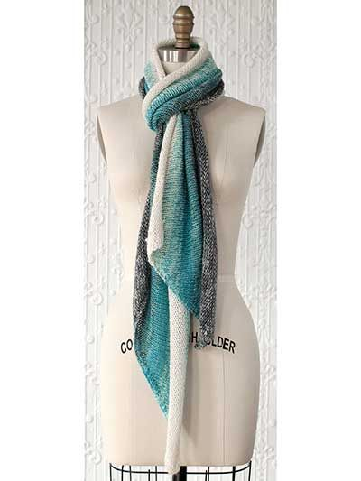 Three Color Scarf Knitting Pattern : Gradiente Scarf Knitting Pattern - Three colors of yarn are combined in this ...